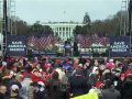 特朗普在白宫外集会现场对支持者发表演讲:我们永不退让